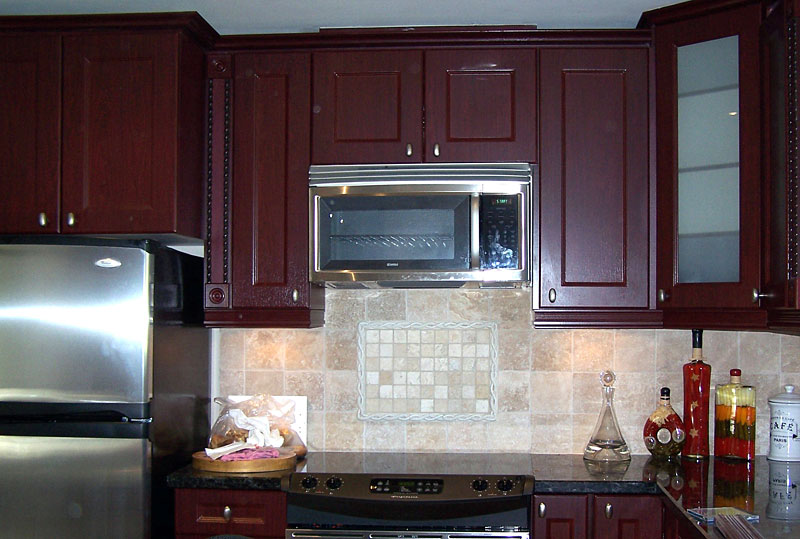 Dark red kitchen cabinets for Dark red kitchen cabinets