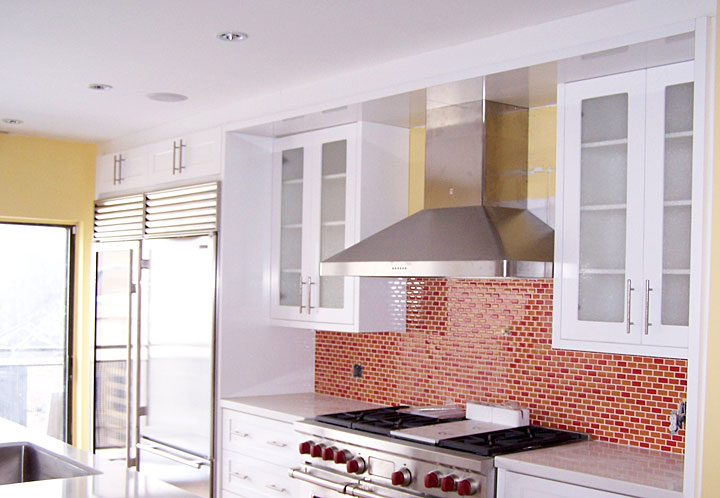 Larger Image - If you think outside of the box, as we do, we can work with you to create a stylish modern kitchen such as this one.